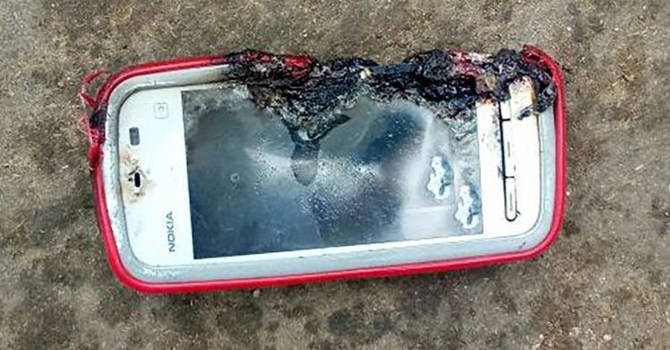 Nokia 5233 exploded and killed an 18-year-old