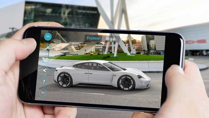 Augmented Reality: Porsche shows E-car with the help of